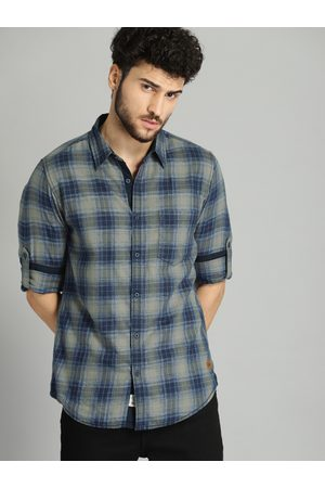 Roadster Men Navy Blue & Grey Checked Casual Shirt