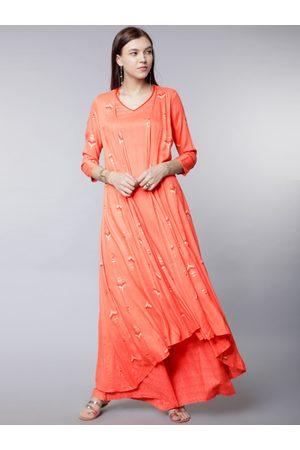 Vishudh Women Coral Pink Printed Kurti with Palazzos
