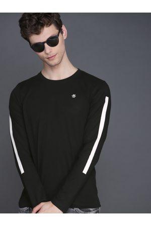 WROGN Men Black Solid Slim Fit Round Neck T-shirt