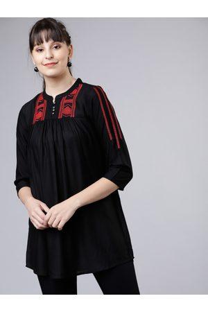 Vishudh Women Black Solid A-Line Kurti
