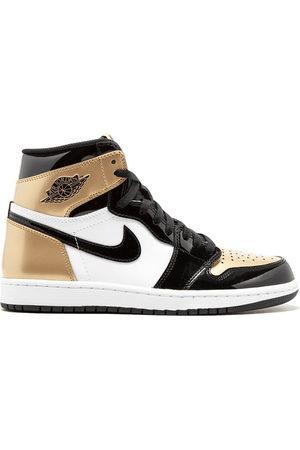 Jordan Air 1 Retro High gold toe