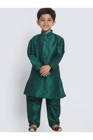 Vastramay Boys Green Solid Kurta with Churidar