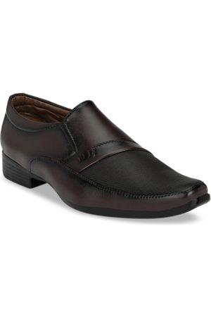 Sir Corbett Men Brown Textured Slip-Ons