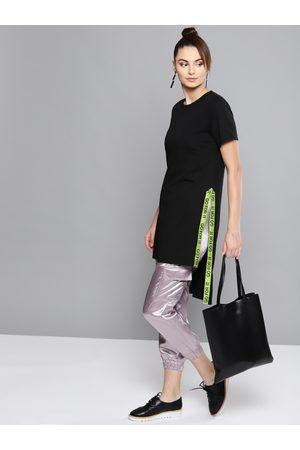 Besiva Women Black Solid Round Neck Longline T-shirt