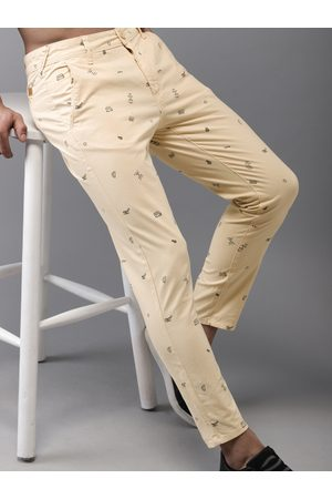 HERE&NOW Men Cream-Coloured Regular Fit Printed Chinos