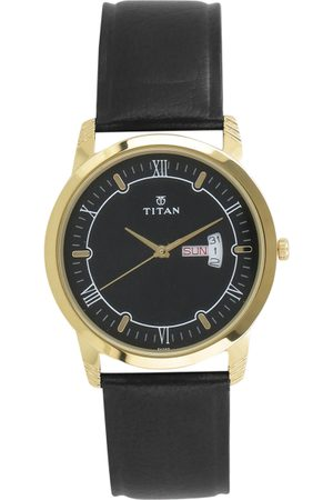 Titan Men Black Analogue Watch 1774YL01