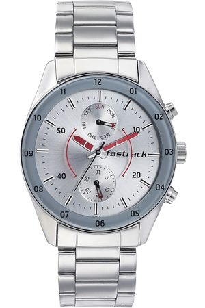 Fastrack Men Silver-Toned Analogue Watch 3201SM01
