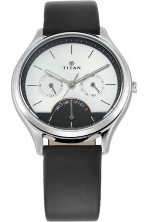 Titan Men White Analogue Leather Watch 1803SL01
