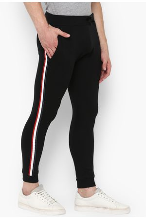 Urbano Fashion Men Black Solid Pure Cotton Slim-Fit Joggers