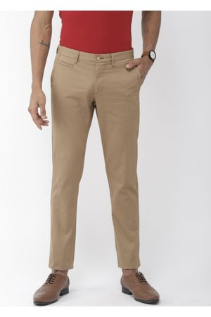 Indian Terrain Men Light Khaki Brooklyn Slim Fit Self-Checked Regular Trousers