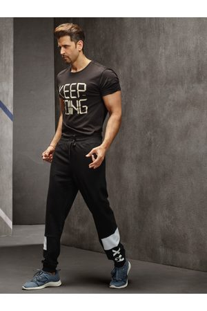 HRX Men Black Solid Slim Fit Training Joggers