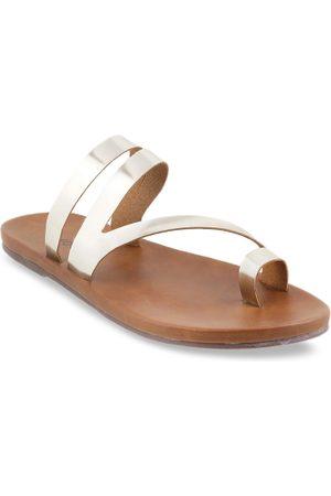 All Things Mochi Women Silver-Toned Solid One Toe Flats