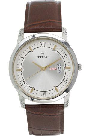 Titan Men Silver-Toned Analogue Watch 1774SL01