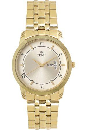 Titan Men Gold-Toned Analogue Watch 1774YM01