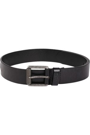 Levi's Men Black Textured Leather Belt