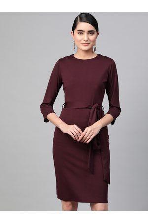 RUNWAYIN Women Aubergine Solid Formal Sheath Dress