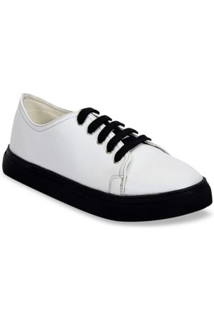 meriggiare Women White Sneakers