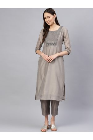 Varanga Women Grey Yoke Design Kurta with Palazzos