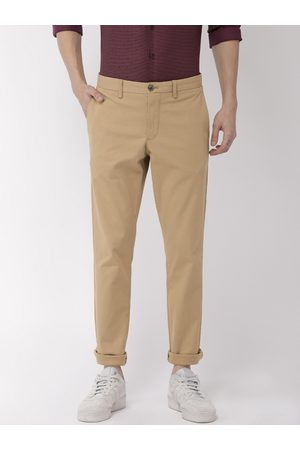 Tommy Hilfiger Men Khaki Bleecker Slim Fit Self Design Regular Trousers