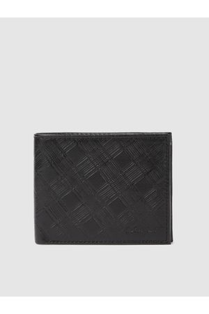 ColorPlus Men Black Textured Two Fold Leather Wallet