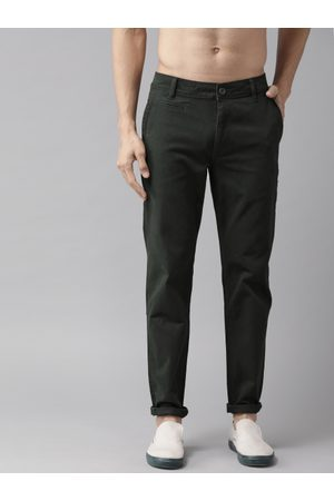 Roadster Time Travlr Men Charcoal Grey Slim Fit Solid Chinos