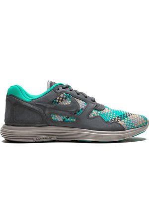 Nike Lunar Flow Woven sneakers