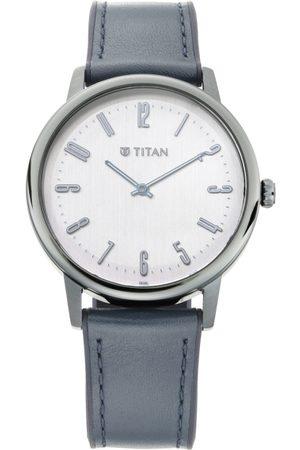 Titan Men White Analogue Watch 90118QP01