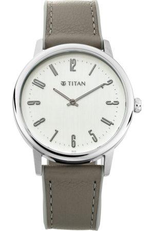 Titan Men White Analogue Watch 90118SP01