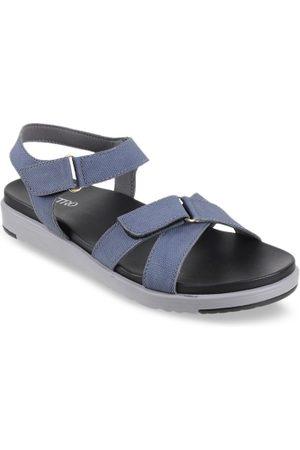 Metro Women Blue Solid One Toe Flats
