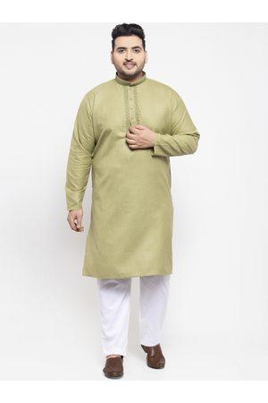 Pluss Men Green Solid Kurta with Pyjamas