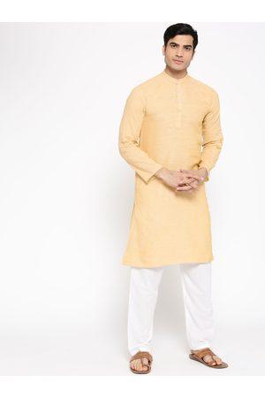 Vastraa Fusion Men Beige & White Solid Kurta with Pyjamas