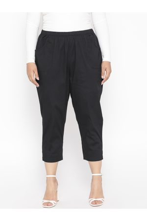 Revolution Plus Size Women Black Regular Fit Solid Cropped Trousers