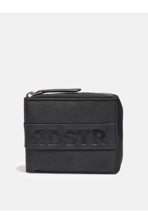 Roadster Men Black Printed Zip Around Wallet