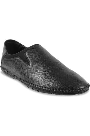 Metro Men Black Solid Semi-Formal Leather Slip-On Shoes