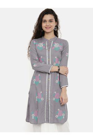 Neerus Women Grey & Pink Floral Embroidered Straight Kurta