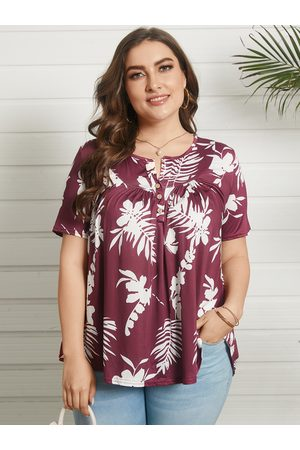 YOINS Plus Size Round Neck Tropical Button Design Short Sleeves Tee