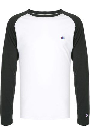 20Q Two-tone logo embroidered Tee