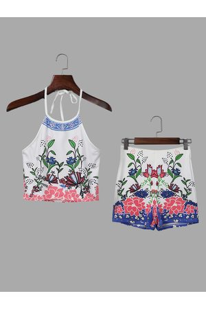 YOINS Random Printing Halter Sleeveless Crop Top and Hidden Zip Back Shorts Co-ord