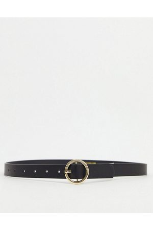 Pieces Belt with gold circle buckle in