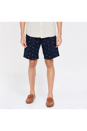 T-BASE Printed Regular Fit City Shorts