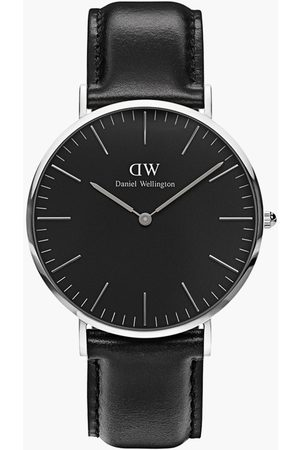 Daniel Wellington Men Analog Watch with Leather Strap - DW00100133