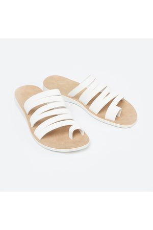 Ginger Solid Strappy Toe-Ring Flats