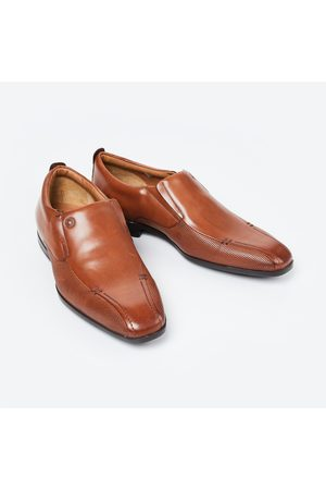 Ruosh Textured Formal Loafers