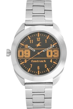 Fastrack Men Silver-Toned Analogue Watch 3175SM02