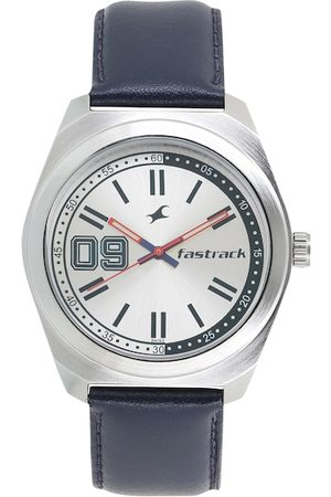 Fastrack Men Silver-Toned Analogue Watch 3174SL01
