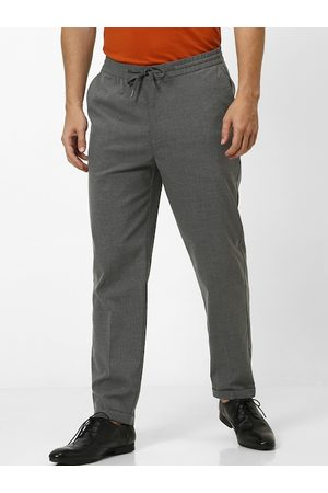 Celio Men Grey Slim Fit Solid Regular Trousers