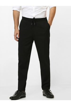 Celio Men Black Slim Fit Solid Regular Trousers