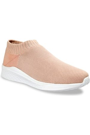 meriggiare Women Peach-Coloured Woven Design Mesh Mid-Top Flyknit Slip-On Sneakers