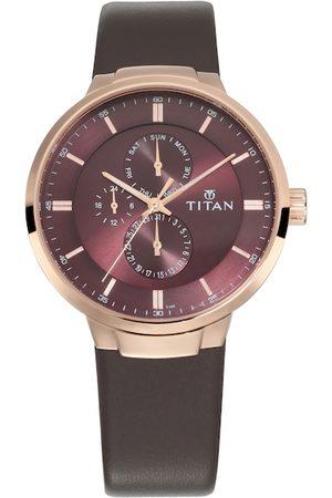 Titan Men Maroon Analogue Watch NM90093WL01
