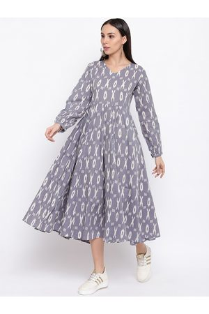 FABNEST Women Grey & White Printed Fit and Flare Dress
